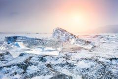 在日落的美好的冰柱 图库摄影