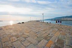 在日落的美好的码头场面 免版税图库摄影