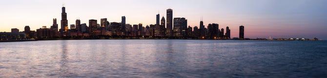 在日落的芝加哥观测所 免版税库存图片
