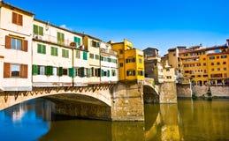 在日落的著名Ponte Vecchio在佛罗伦萨,意大利 库存照片