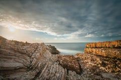 在日落的西西里人的海岸 免版税库存照片