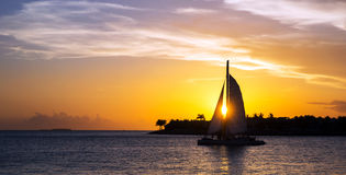 在日落的风船 免版税库存图片