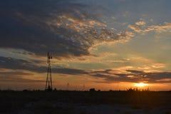 在日落的风车在Benbrook得克萨斯 免版税图库摄影