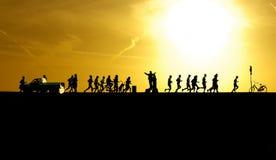 在日落的马拉松 图库摄影