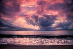 在日落的马达加斯加海岸线 免版税库存图片