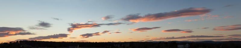 在日落的高定义cloudscape 库存照片
