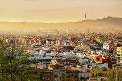 在日落的巴塞罗那 免版税库存照片