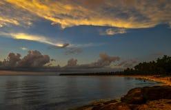 在日落的绍德海滩在Pagudpud菲律宾 库存图片