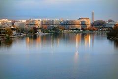 在日落的水门复合体在华盛顿特区 免版税库存照片