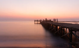 在日落的Akkarena海滩 免版税库存照片