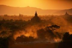 在日落的Bagan 免版税库存图片