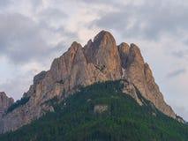 在日落的Cima 11登上,白云岩,意大利 库存图片