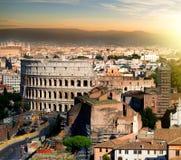 在日落的Colosseum 免版税库存图片
