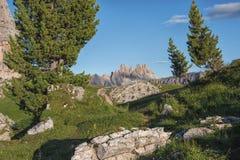 在日落的Croda da Lago山,白云岩,威尼托,意大利 免版税库存图片