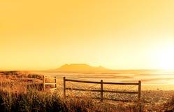 在日落的hdr海洋 库存图片