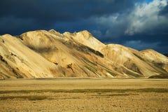 在日落的Landmannalaugar山,冰岛 库存图片