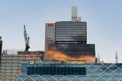 在日落的Macquary和Westpac大厦 免版税库存图片