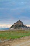 在日落的Mont St米谢尔,法国 免版税库存照片