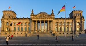 在日落的Reichstag大厦 免版税库存图片