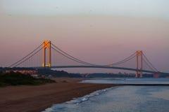 在日落的Verrazano桥梁 库存照片