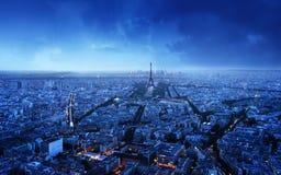 在日落,法国的巴黎地平线 库存照片