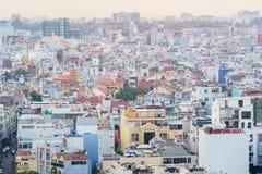 在日落,越南的胡志明市地平线 免版税库存照片