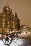 在日落以后的冬天德累斯顿 免版税库存照片