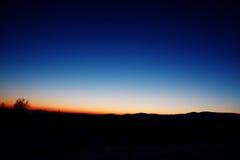 在日落以后的惊人的天空颜色 免版税库存图片