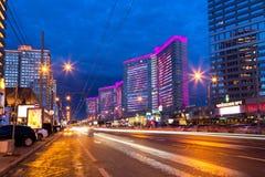 在日落以后的新的阿尔巴特街 莫斯科 俄国 库存照片