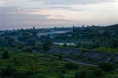 在日落以后的村庄 库存照片