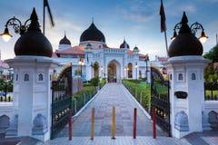 在日落以后的Kapitan Keling清真寺,槟榔岛 库存图片