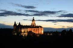 在日落以后的Ksiaz城堡 库存图片
