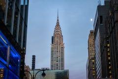 在日落-纽约,美国的克莱斯勒大厦 免版税库存照片