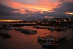 在日落-英国的小船 免版税库存图片
