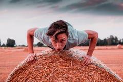 在日落hight对比样式图象的乡下锻炼 库存图片