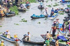 在旧历新年的Nga Nam浮动市场 库存照片