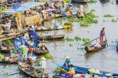 在旧历新年的Nga Nam浮动市场 免版税库存图片