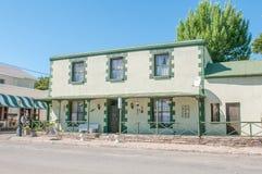 在早南部非洲的干旱台地高原建筑风格, Colesberg的历史建筑 库存照片