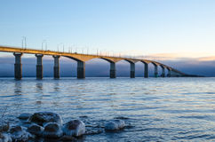 在早晨太阳的桥梁 库存图片