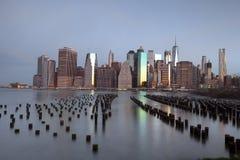 在早晨时间的曼哈顿地平线 免版税库存照片
