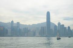 在早晨时间的维多利亚海湾,香港,中国 免版税库存图片
