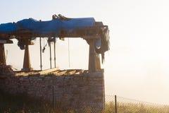 在早晨雾的阿斯图里亚斯粮仓horreo在奥维耶多,阿斯图里亚斯附近 库存照片