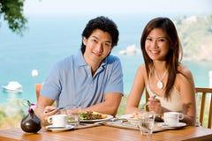 在早餐的夫妇 免版税库存图片