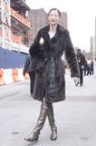 在时尚星期期间,亚洲时装模特儿夏天街道样式 免版税库存图片