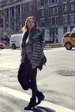 在时尚星期期间,时装模特儿夏天街道样式 库存图片