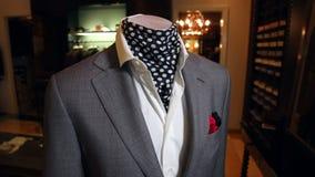 在时装模特的人的夹克 股票录像