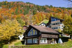 在昂热尔贝格村庄瑞士的环境美化 免版税图库摄影