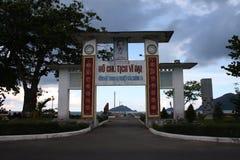 在昆仑岛海岛上的门 库存图片