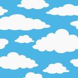 在明亮的蓝天无缝的样式的蓬松白色云彩 库存照片
