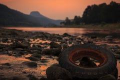 在易北河的日落 库存图片